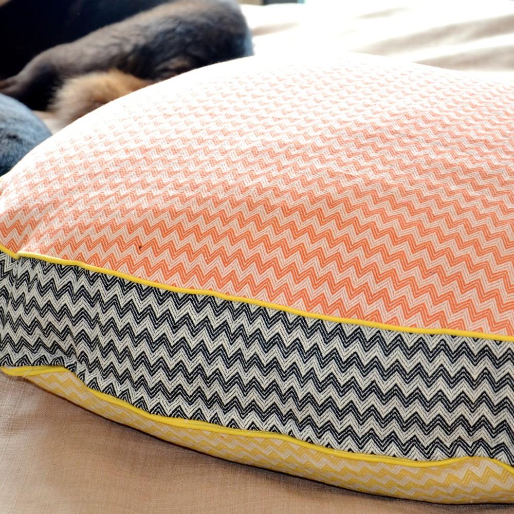 Zigzag Orange: Black : Yellow - oval bed