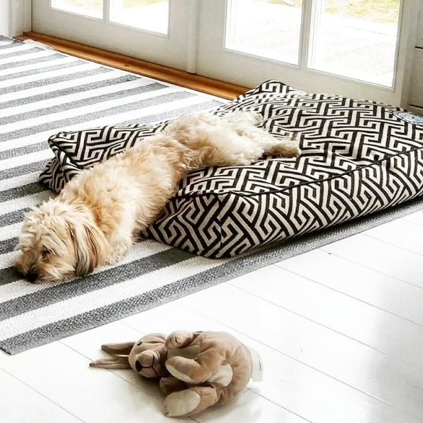 Bespoke Dog Bed Cover – Maze (four colors)