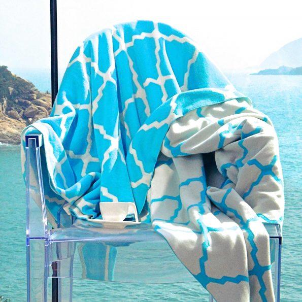 Azur Reversible Throw Blanket