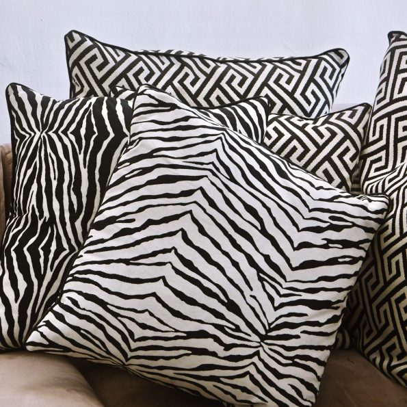Cushion Covers / Zebra II (white)
